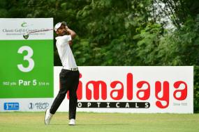 गोल्फ : क्लासिक गोल्फ एंड कंट्री क्लब के तीसरे दिन रााशिद दूसरे स्थान पर