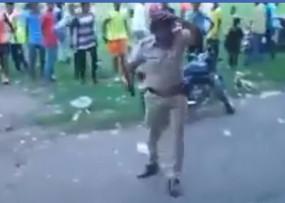 Fake News: चालान काटने पर भीड़ ने पुलिसकर्मी को पीटा ?