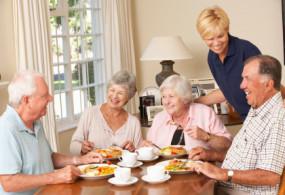 Health news: बढ़ती उम्र में इस तरह के खाने से करें परहेज