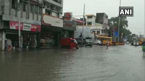 बारिश का कहर: यूपी में अब तक 44 की मौत, बिहार के 15 जिलों में रेड अलर्ट, स्कूल बंद