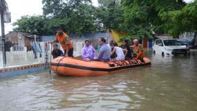 UP-बिहार में बाढ़ से हालात बेकाबू, 100 से ज्यादा मौत, 9 जिलों में ऑरेंज अलर्ट