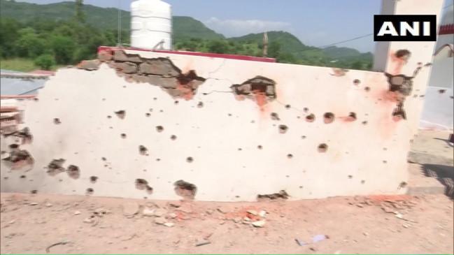 J&K: पाक ने रिहायशी इलाकों में दागे मोर्टार, कई घर क्षतिग्रस्त, सेना कर रही जवाबी कार्रवाई