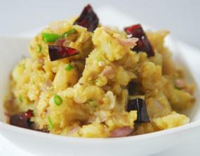 वीडियो रेसिपी: ऐसे बनाएं नॉर्थ इंडिया की स्पेशल और स्वादिष्ट डिश, आलू चोखा