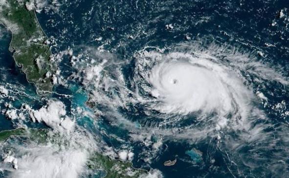 अमेरिका में तूफान डोरियन की तबाही, बहामास में 30 लोगों की मौत
