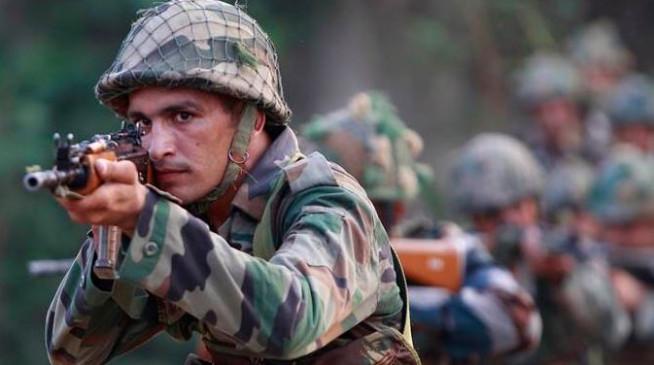 सेना का शौर्य : मारे गए कमांडो का शव डरे-सहमे ले गए पाक सैनिक