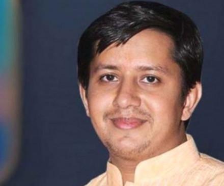 भाजपा विधायक आकाश विजयवर्गीय ने लगाए ठुमके- जी हां, मैं हूं खलनायक