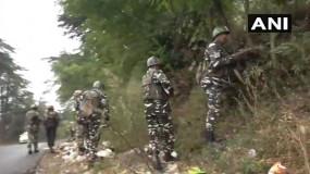 कश्मीर के तीन इलाकों में आतंकी अटैक, मुठभेड़ में 4 आतंकी ढेर, एक जवान शहीद