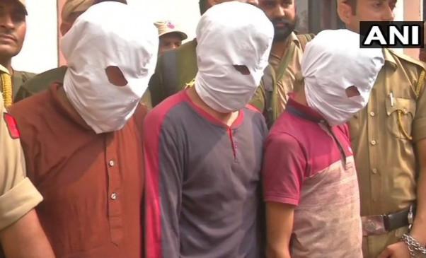 जम्मू-कश्मीर में हमले की साजिश नाकाम, हथियारों से भरे ट्रक के साथ 3 आतंकी गिरफ्तार