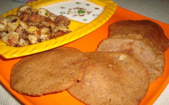 नवरात्रि व्रत के लिए बनाएं हेल्दी कुट्टू के आटे की पूरी