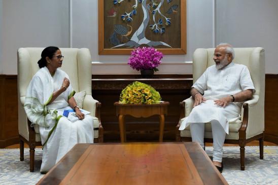 ममता बनर्जी ने की पीएम मोदी से मुलाकात, पश्चिम बंगाल के नाम बदलने का उठाया मुद्दा