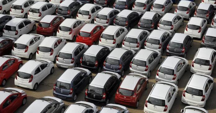 मंदी की चपेट में ऑटोमोबाइल सेक्टर, 21 साल बाद यात्री वाहनों की बिक्री में इतनी बड़ी गिरावट