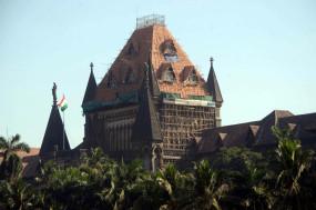 नवलखा ने बम्बई हाईकोर्ट के आदेश को सुप्रीम कोर्ट में चुनौती दी