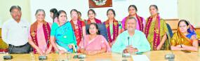 मनपा लाइब्रेरी में 19 साहित्यकारों ने 179 साहित्य सुपुर्द किए,साहित्य का मिलेगा लाभ