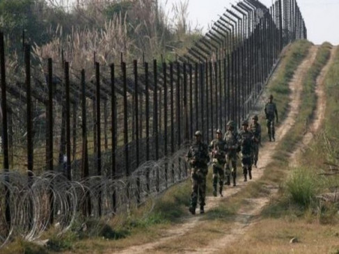 पाक ने बनाए 30 लॉन्चपैड, कश्मीर में आतंकवादियों की घुसपैठ कराने की साजिश