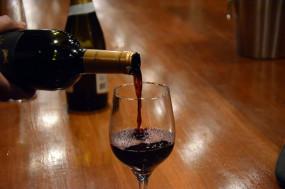देहरादून: जहरीली शराब पीने से 6 लोगों की मौत, इंस्पेक्टर समेत दो पुलिसकर्मी सस्पेंड