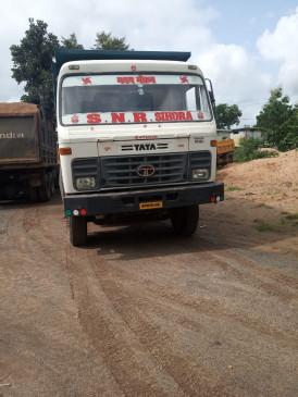 रेत माफिया को पुलिस संरक्षण- ट्रक रोके तो महिला एसआई पर भड़के टीआई , आईजी से शिकायत