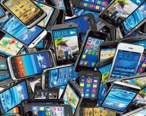 गुमे मोबाइल मिलने से चेहरों पर मुस्कान - सवा 13 लाख के मोबाइल वापस किए गये