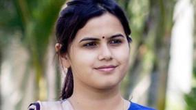 सियासी झटका : एनसीपी उम्मीदवार नमिता मुंदडा हुईं भाजपा में शामिल