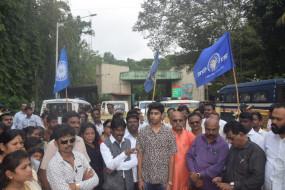 आठवले ने उठाई पृथक विदर्भ की मांग, गोद लिए तेंदुए की मौत पर भड़के कार्यकर्ता
