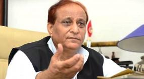 सपा सांसद आजम खान के खिलाफ 81 केस दर्ज, 3 मामलों में गिरफ्तारी वारंट