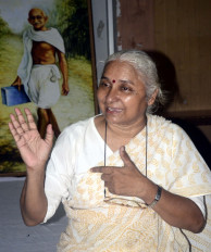 मोदी के जन्मदिन के शोर में दब गई सरदार सरोवर प्रभावितों की आवाज: मेधा