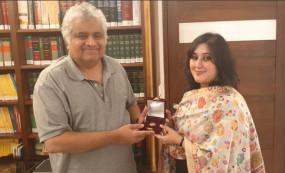 पूर्व विदेश मंत्री सुषमा स्वराज की बेटी बांसुरी ने पूरी की उनकी आखिरी इच्छा