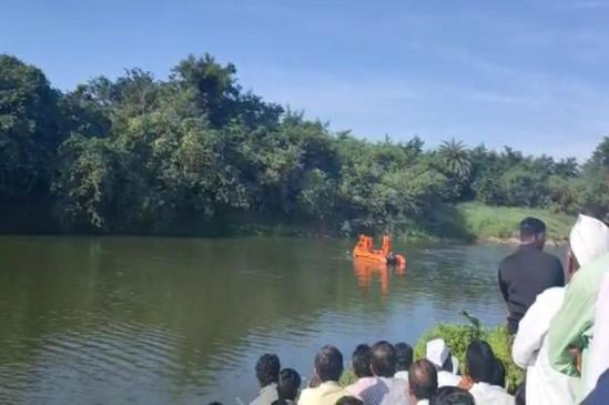 नदी में तैरने उतरे दसवीं के तीन छात्रों की मौत, गांव में पसरा मातम