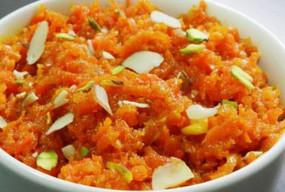 वीडियो रेसिपी: गाजर का हलवा, स्वीट डिश रेसिपी