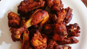 वीडियो रेसिपी: रोस्टेड एंड क्रिस्पी चिकन फ्राई रेसिपी