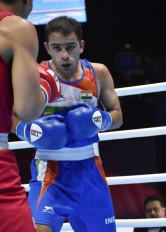विश्व मुक्केबाजी चैम्पियनशिप : पंघल के हाथ से स्वर्ण फिसला