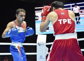 विश्व मुक्केबाजी चैम्पियनशिप : पंघल प्री-क्वार्टर फाइनल में (लीड-1)