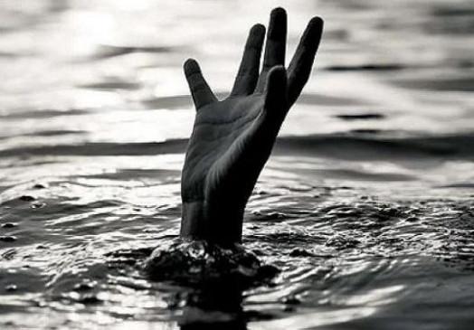 गणपति विसर्जन को गया युवक नाले के पानी में बहा