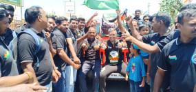 150वीं गांधी जयंती : बॉलीवुड हस्तियों ने बापू को श्रद्धांजलि अर्पित की