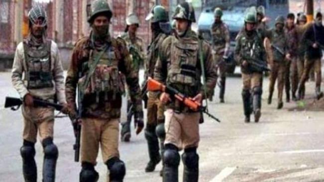 Image result for जम्मू-कश्मीर में आतंकी हमला, बंगाल के पांच मजदूरों की गोली मारकर हत्या...
