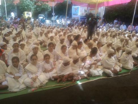 बच्चा-बच्चा बना महात्मा गांधी , 150 वी जयंती पर 150 स्टूडेन्ट्स गांधीजी बनकर पहुंचे