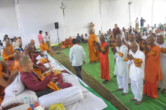 55 हजार अनुयायियों ने ली बौद्ध धर्म की दीक्षा,दीक्षाभूमि पर जुटे बौद्ध अनुयायी