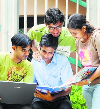 जिप के 46, मनपा के 8 स्कूलों में विद्यार्थी सीखेंगे विज्ञान के प्रयोग