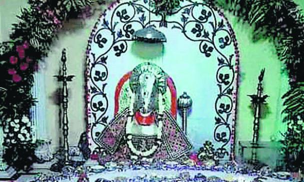 मंदिरों में कार्तिक मास : सुबह काकड़ आरती के साथ बज रही घंटियां, विविध धार्मिक कार्यक्रम
