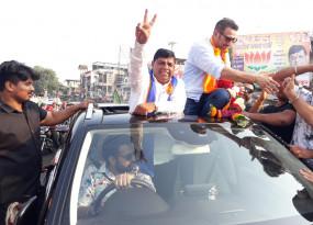 रैली में ढाई किलो के हाथ का जलवा, सांसद सनी देओल ने मांगा बीजेपी प्रत्याशी के लिए वोट, सोशल मीडिया पर भी छाए