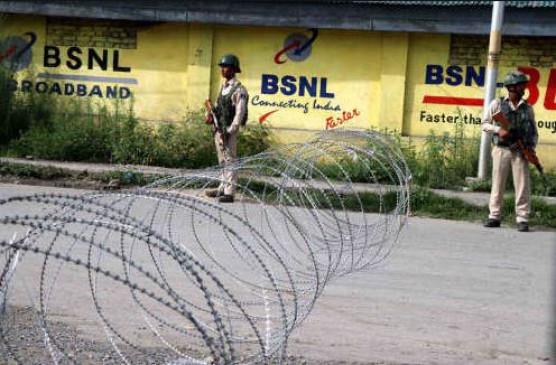 70 दिनों के लॉकडाउन के बाद, घाटी में BSNL पोस्टपेड सेवाएं बहाल, इंटरनेट अभी भी बंद