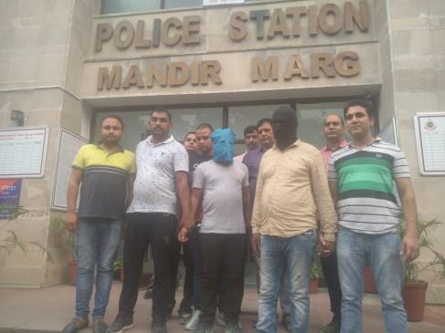 हथियारबंद लुटेरों ने पुलिस पार्टी पर ही चला दिया छुरा, गिरफ्तार