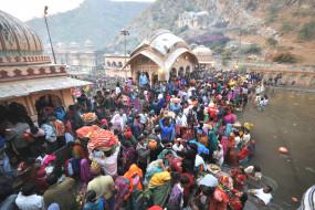 बिहार : छठ घाटों की मरम्मत में जुटा प्रशासन, 22 घाट खतरनाक घोषित