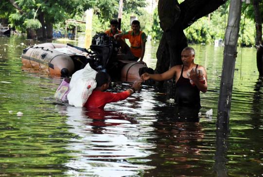 बिहार : भारी बारिश का अलर्ट, इलाकों से पानी निकालने का काम जारी
