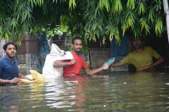 बिहार : पटना नगर निगम का बजट बढ़ा, मगर नालों में तब्दील हो गईं सड़कें