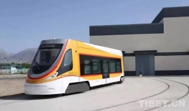चीन : विश्व में सबसे ऊंचाई वाली ट्राम का प्रदर्शन