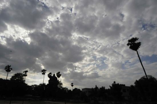 बिहार में बादल छाए, मौसम सुहावना