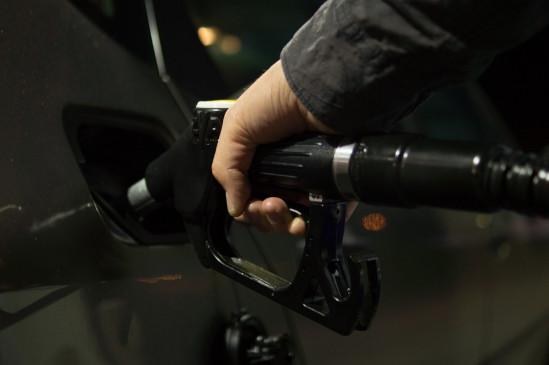 पेट्रोल, डीजल के दाम में लगातार तीसरे दिन उपभोक्ताओं को मिली राहत