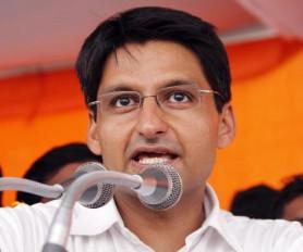दीपेंद्र हुड्डा का विवादित बयान,कहा-बीजेपी का समर्थन करने वाले निर्दलीय विधायकों को जनता जूते से मारेगी