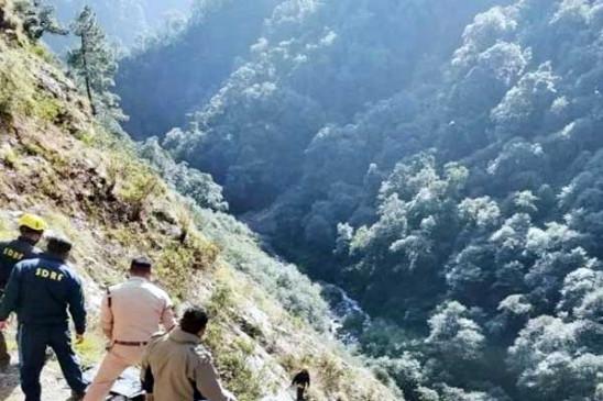 देहरादून: केदारनाथ हाईवे पर चट्टान फिसलने से 8 लोगों की मौत