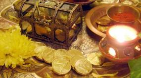 धनतेरस 2019: इस दिन करें भगवान धनवन्तरी और कुबेर की पूजा, जानें शुभ मुहूर्त